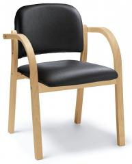 Stapel-Holzstuhl CLAHO mit Armlehnen