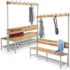 Sitz- und Garderobenbänke mit Holzleisten